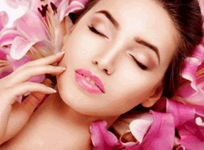 Cildinizin genç kalması için 5 güzellik sırrı