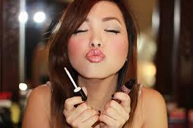 Çatlayan dudaklar için bakım