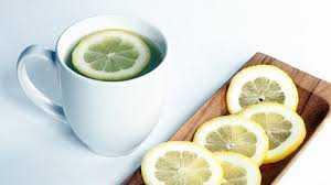 Güne limonlu su içerek başlayın