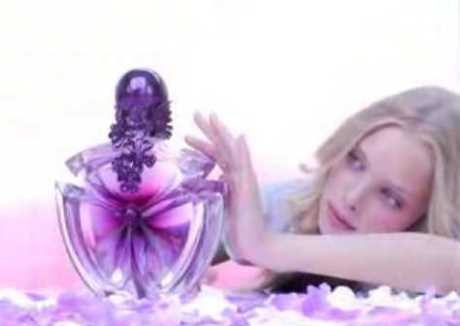 Parfüm Kadının Silahıdır