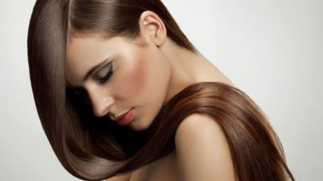 Dümdüz saçlara kavuşabilmek için öneriler