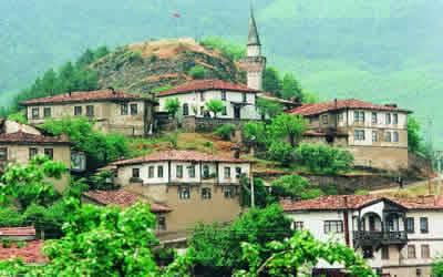 sakarsa_ilinin_tarihi_turistik_yerleri
