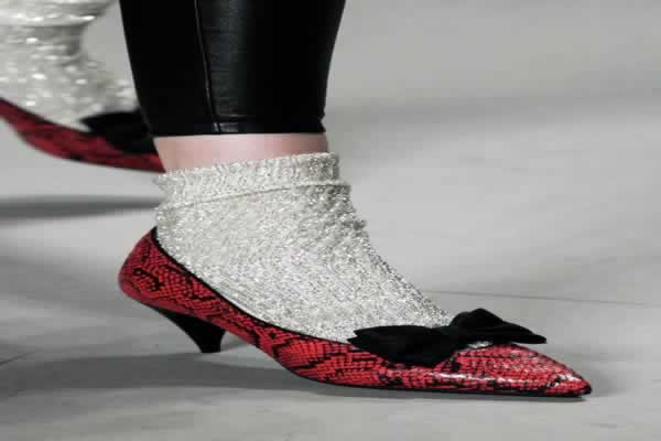 Marjinal Ayakkabı Trendleri İlkbahar-Yaz Sezonu